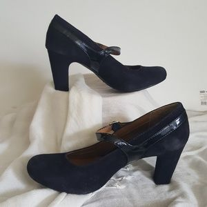 Euro Soft Black Mary Jane Pumps 8